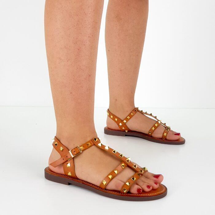 sandalo basso borchie